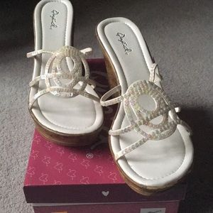 New sparkle sandals with faux wood wedge heel sz 8